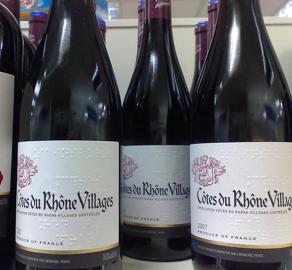 Bouteille de vin appellation Côtes du Rhône Village