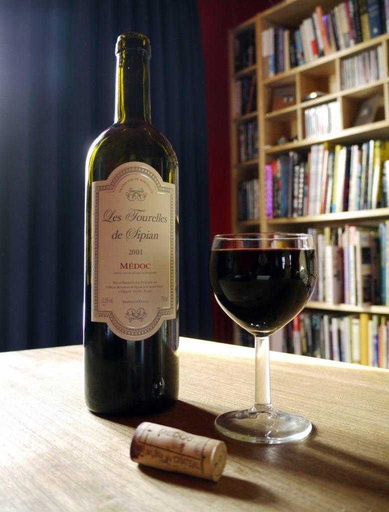 Bouteille de vin du Médoc